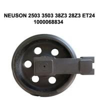 Направляющее колесо (ленивец) NEUSON 2503 3503 38Z3 28Z3 ET24